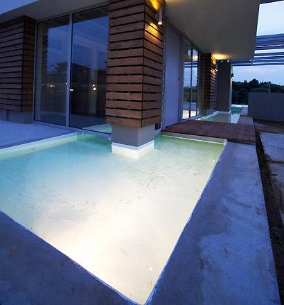 ночная подсветка бассейна
